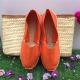véritables espadrilles basques de couleur orange